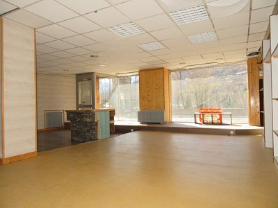 LOCAL COMMERCIAL A VENDRE - BRIANCON - 286 m2 - 159 000 €