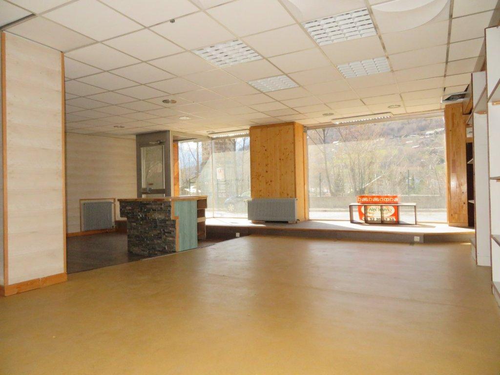 LOCAL COMMERCIAL A VENDRE - BRIANCON - 286 m2 - 159000 €